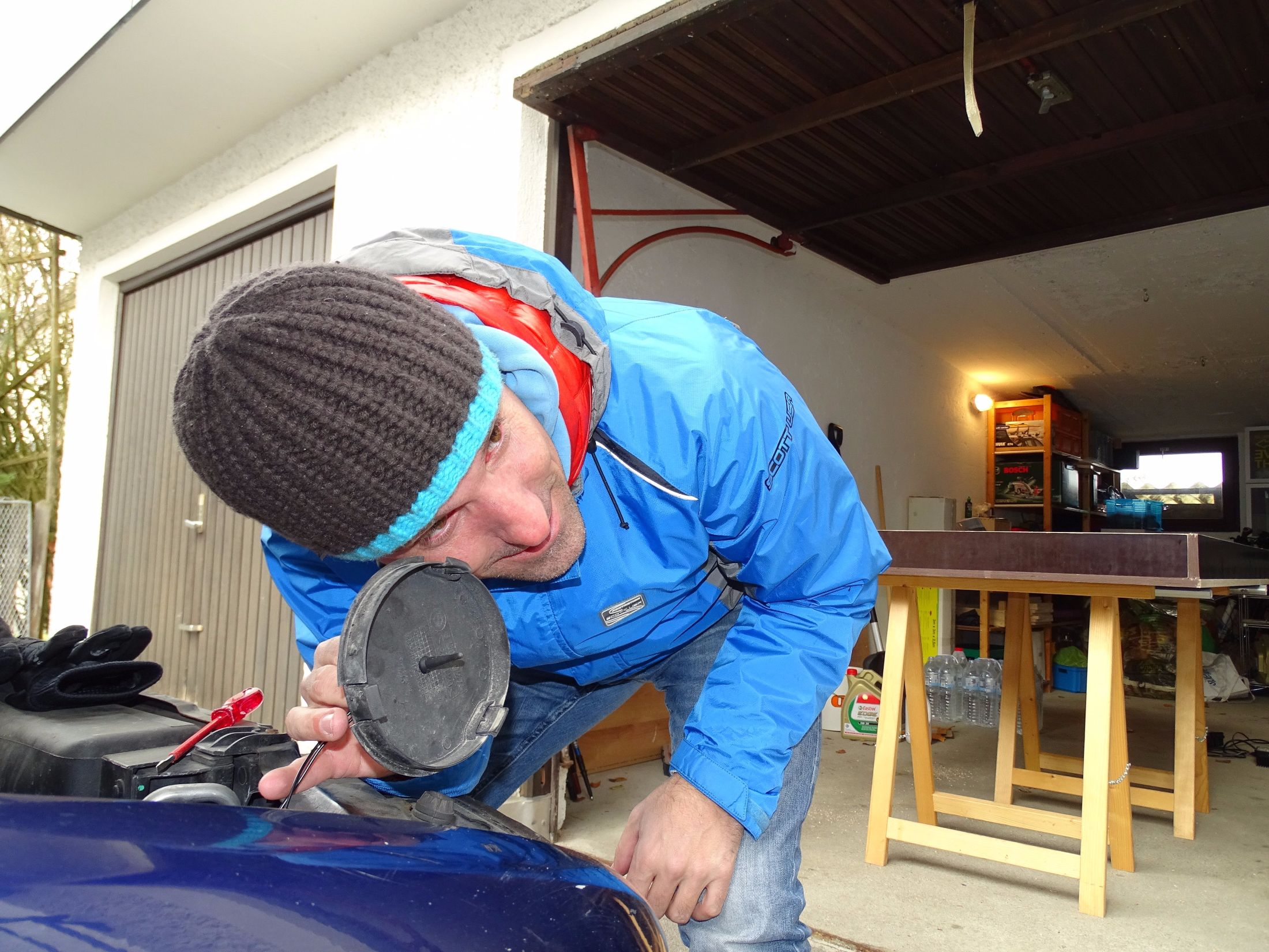 Thomas beim Test des neuen Temperatur-Richtmikrofons